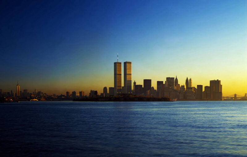 Purchase New York skyline 1983 with Twin Towers